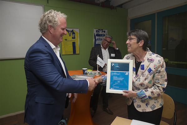 Jetta Klijnsma reikt PSO 30+ Certificaat uit aan De Groenmakers